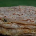 Aloo parantha – Nystekt brød med potetfyll