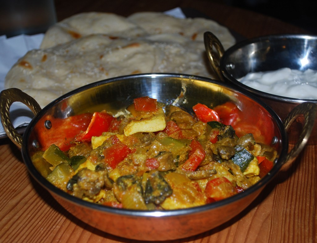 Grønnsaker i karri: Grønnsaker i karri av yoghurt og krydder