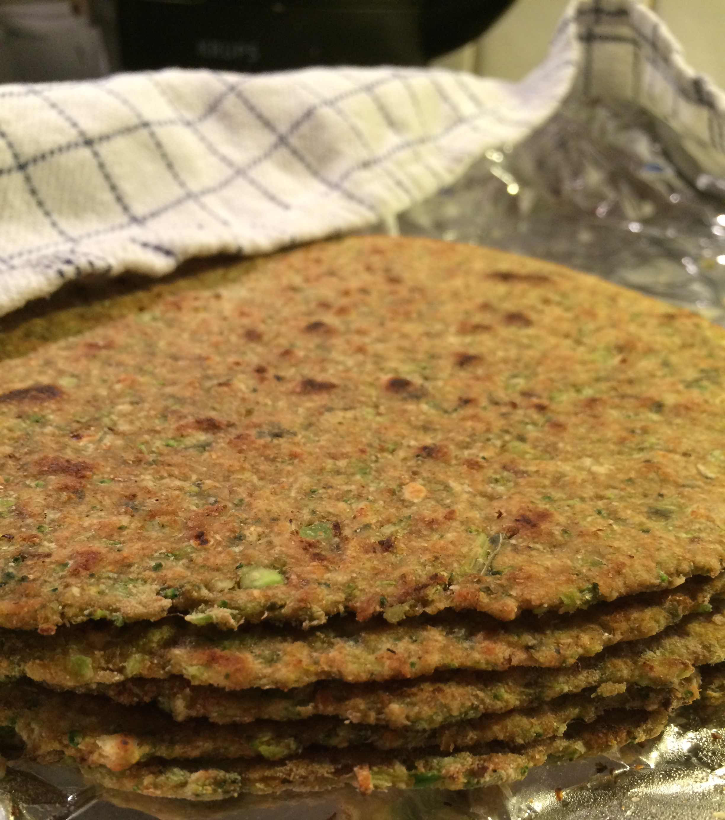 Tradisjonell indisk brød med brokkoli