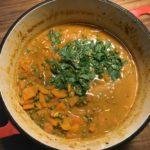 Gajar matar curry – Gulrøtter og erter i mild, aromatisk saus